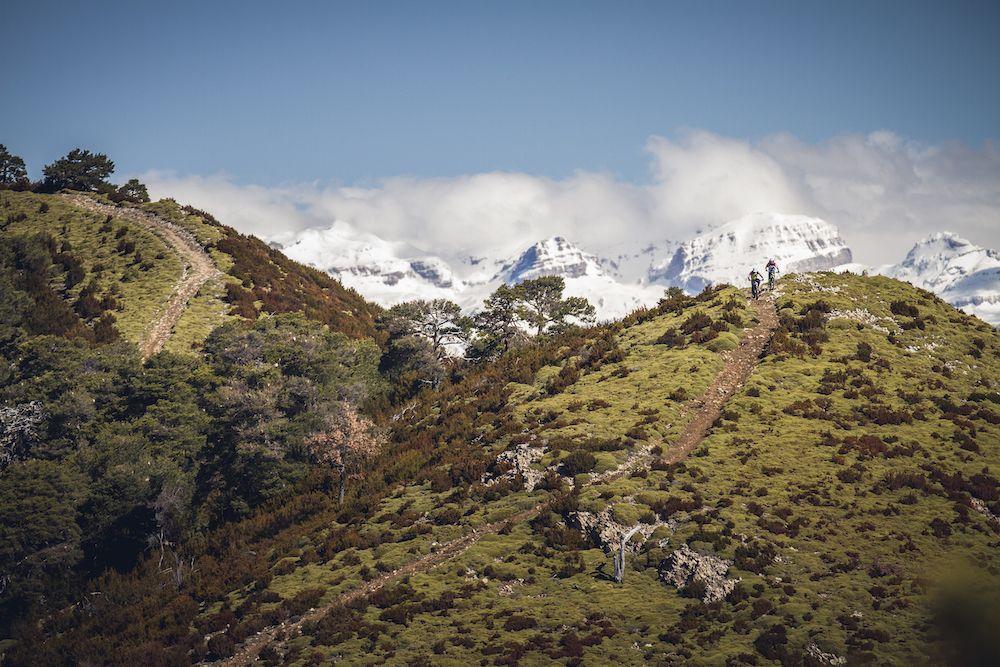 La imagen tiene un atributo ALT vacío; su nombre de archivo es Bguara-cycling-rocks-Wallride-revista11.jpg