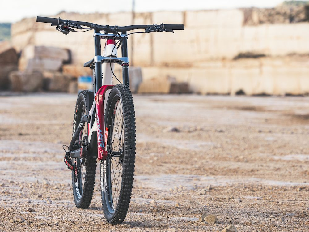 https://www.canyon.com/es-es/mountain-bikes/downhill-bikes/sender/