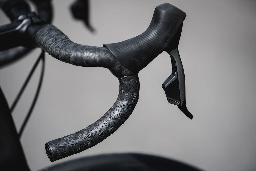 Specialized Tarmac, Roubaix y Aethos con el nuevo SRAM Rival AXS4