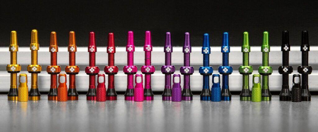 Válvulas tubeless de colores