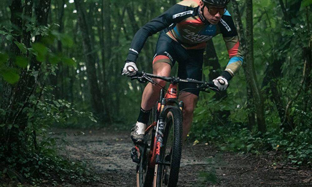 MET Veleno, el casco para ciclismo más polivalente. Sin etiquetas, el nuevo casco de MET puede usarse para todo: Gravel, Adventure, Cross country, Down country, All Mountain, Trail… 10