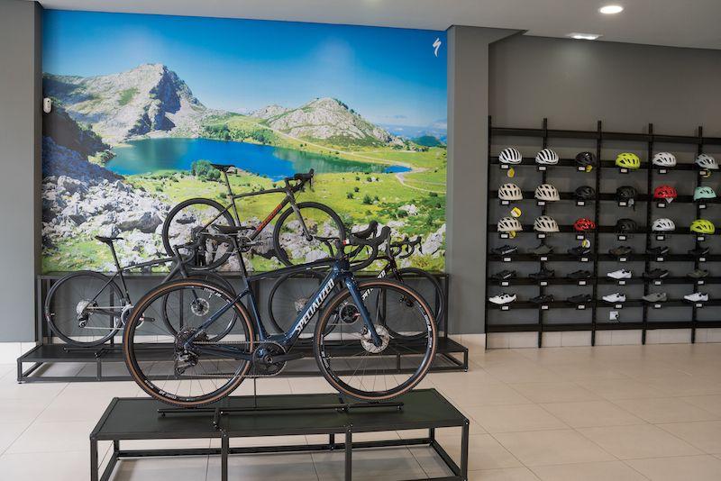 Tienda de bicicletas - Specialized Brand Store Gijón. Lagos Cycling Store